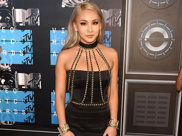 CL 2NE1 Juga Terlihat Eksis di MTV Video Music Awards 2015!