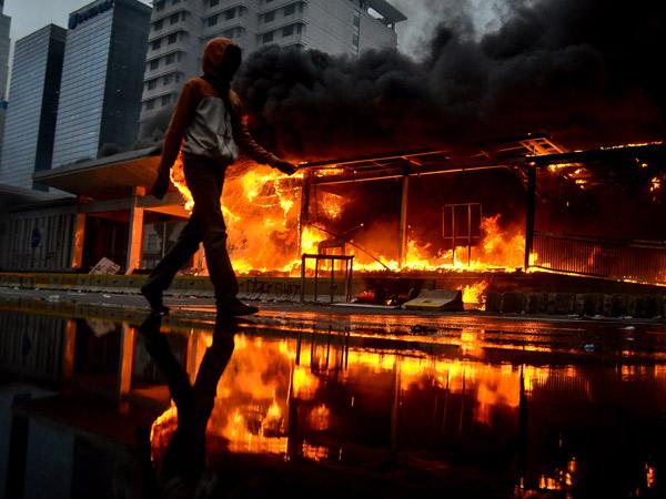 DKI Jakarta Rugi Rp 25 Miliar Akibat Demo Rusuh