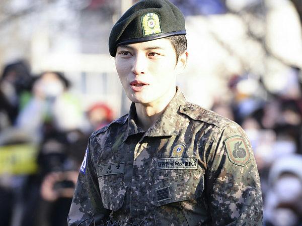 Bantah Punya Tugas 'Mudah' Saat Wajib Militer, Jaejoong Justru Pamer Prestasi!