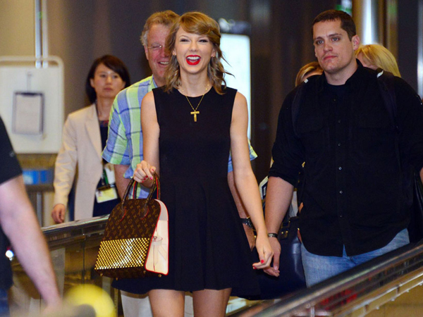 Wah, Taylor Swift Buat Jadwal Penerbangan di Jepang Sempat Tertunda!