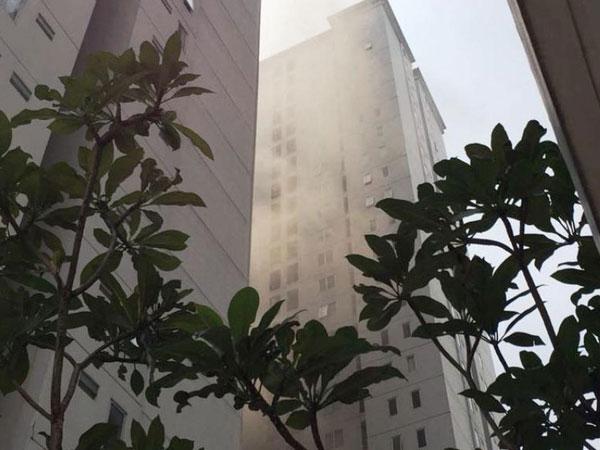 [BREAKING NEWS] Situasi Saat Ledakan Terjadi di Apartemen Bassura City Jakarta Timur