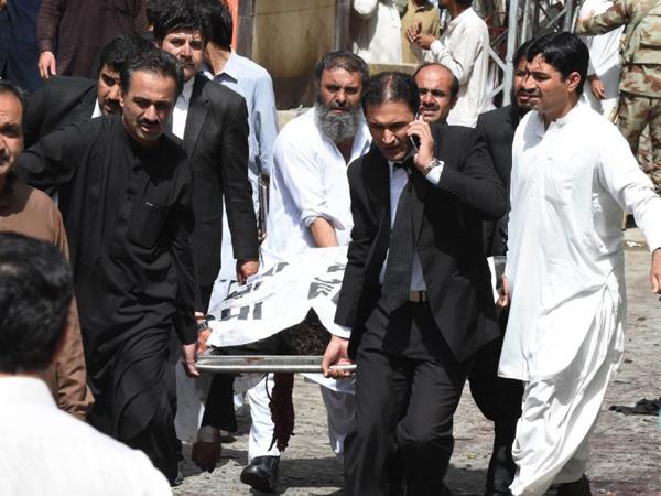 Tewaskan 70 Orang, ISIS Klaim Pengeboman Rumah Sakit di Pakistan