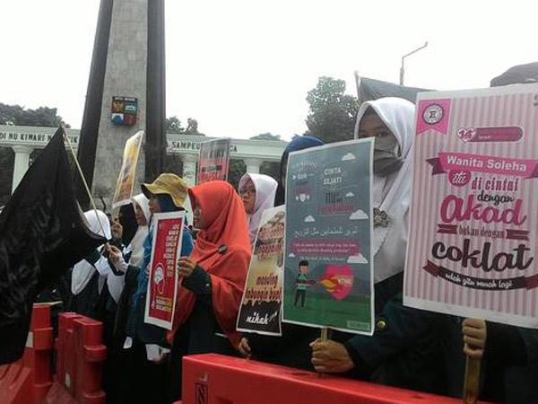 Sarat Kemaksiatan, Mahasiswa di Bogor Unjuk Rasa Tolak Perayaan Hari Valentine