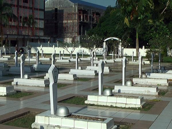 Miris, Belasan Helm Tentara di Taman Makam Pahlawan Samarinda Dicuri!