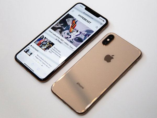 Apple Dikabarkan Pangkas Produksi iPhone Terbarunya, Tak Laku?