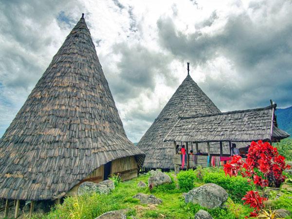 Deretan Surga Wisata Tersembunyi di Labuan Bajo yang Sayang untuk Dilewatkan