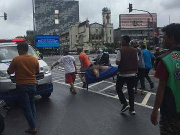 Genangan Air di Lubang Di Jalan Gadjah Mada Telan Korban Kecelakaan Usai Hantam Trotoar