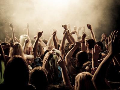 Inilah 10 Hal Menyebalkan Saat Menonton Konser Musik!