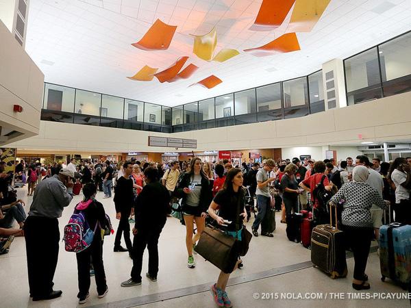 Bandara New Orleans Dihebohkan Oleh Penyerang Bersenjata Tajam