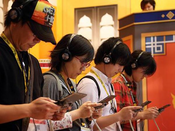 Nintendo Resmi Rilis Ponsel Pintar Game Pertamanya, Miitomo