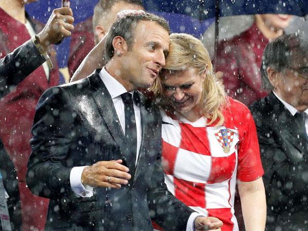 Duh, Kedekatan Presiden Perancis dan Kroasia di Final Piala Dunia 2018 Ini Bikin 'Meleleh'