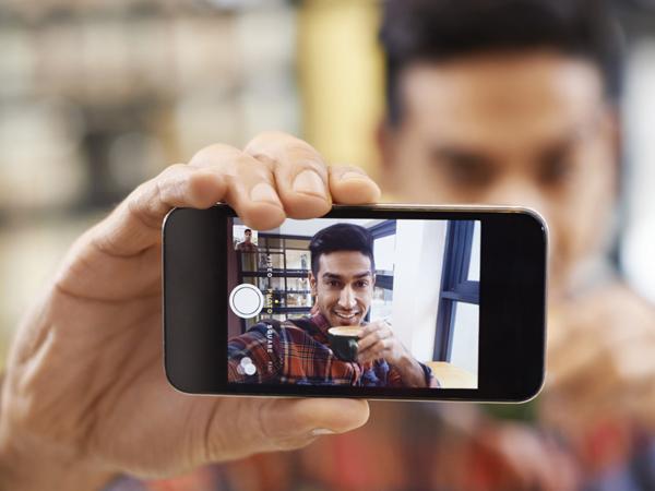 Mundur Jadi Asisten Penelitian, Pria Ini Ingin Fokus Pecahkan Rekor Selfie Terbanyak