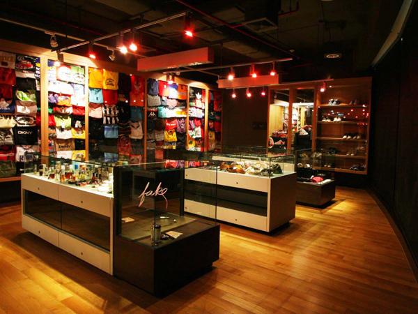 Pelajari Barang KW di Museum Barang Palsu 'Counterfeit Goods' di Bangkok