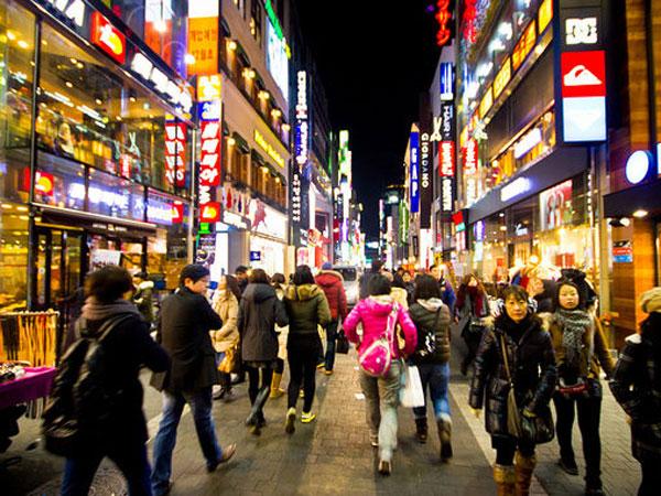 Personal Care Hingga Makanan, Intip 8 Barang Paling Sering Dibeli Turis Saat Datang ke Korea Selatan