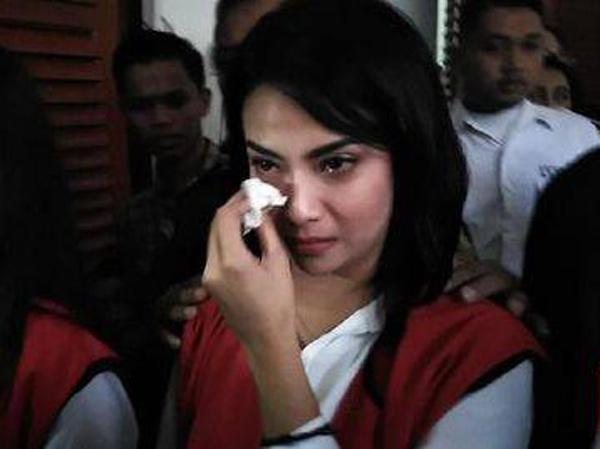 Vanessa Angel Akhirnya Bertemu Sang Ayah Setelah Dipenjara, Begini Momen Harunya