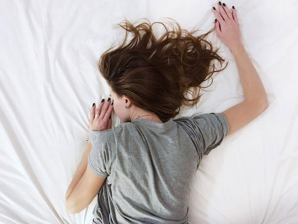 Peringati Hari Tidur Sedunia, Penelitian Ungkap Orang Semakin Kurang Tidur