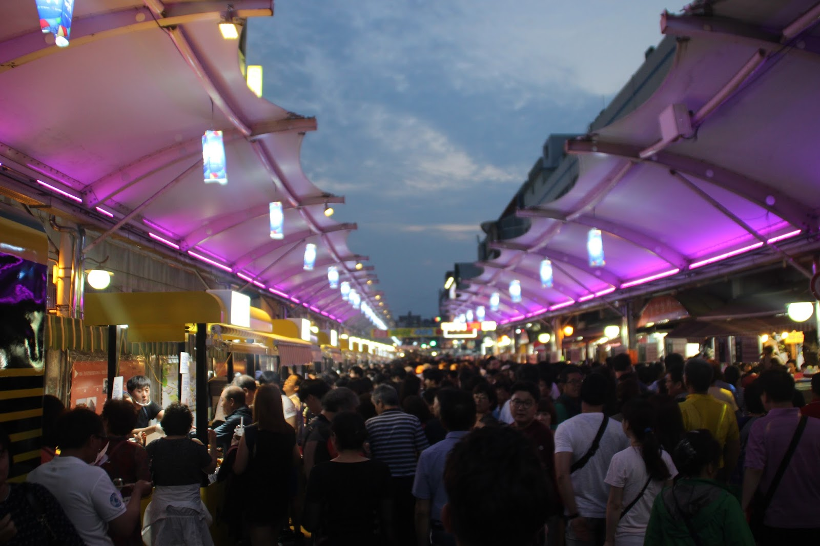seomun%201 - Rekomendasi Wisata Malam di Daegu Korea, Unik dan Estetik