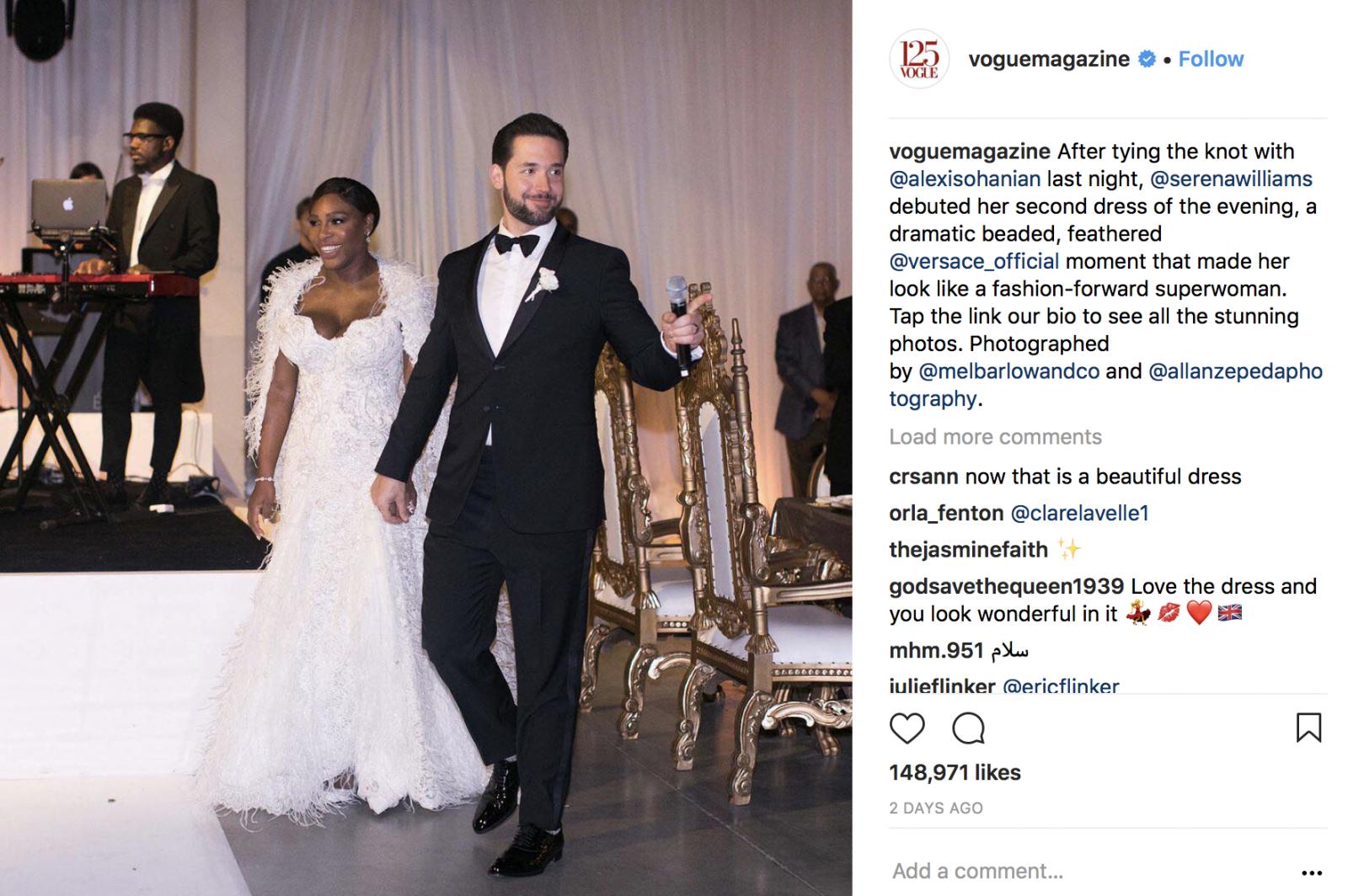 Tengok 3 Gaun Pernikahan Ratu Tenis Serena Williams Yang Sangat Menawan Pada Prosesi Selanjutnya Ketika Tamu Mulai Berdatangan Berganti Busana Ke Versace Sedikit Dramatis