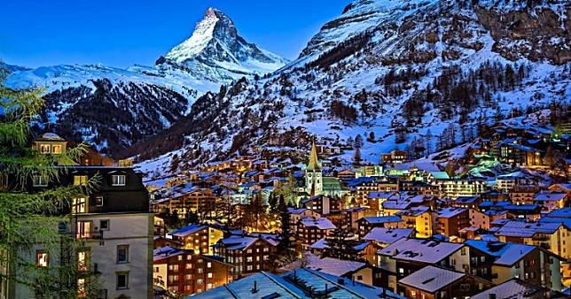 Kerennya Pemandangan Musim Dingin Ini Serasa Hidup di Dunia Impian